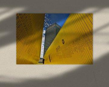 Hofplein - Grijs, Geel en Blauw van Henk Frings
