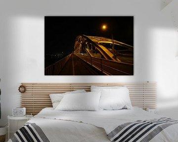 Nachtfoto van de Waalbrug in Nijmegen van Alice Berkien-van Mil