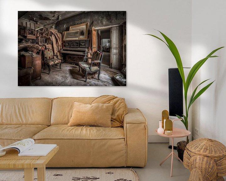 Beispiel: Klavier in verlassenen Burg von Kelly van den Brande