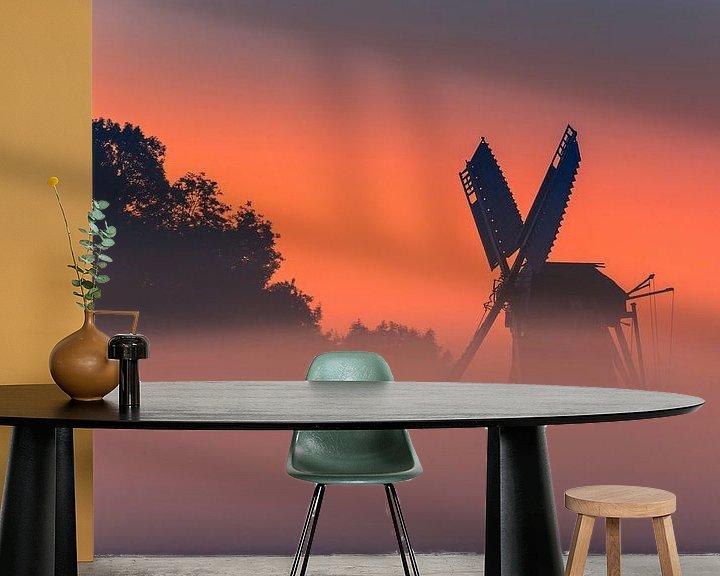 Sfeerimpressie behang: Zonsopkomst bij de Langelandstermolen in Garmerwolde van Henk Meijer Photography