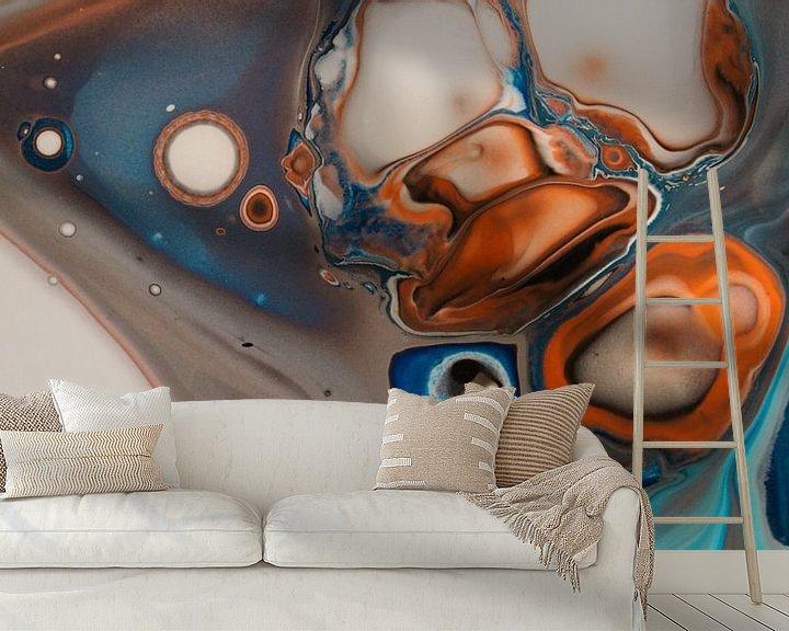 Sfeerimpressie behang: Orange and Blue I van Art Pour Toi