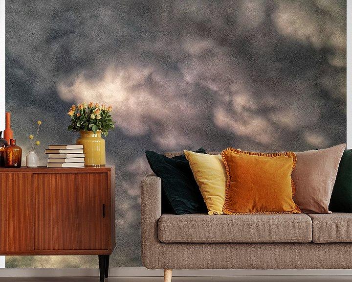 Sfeerimpressie behang: Wolken Nederlandse Lucht van Kuba Bartyński