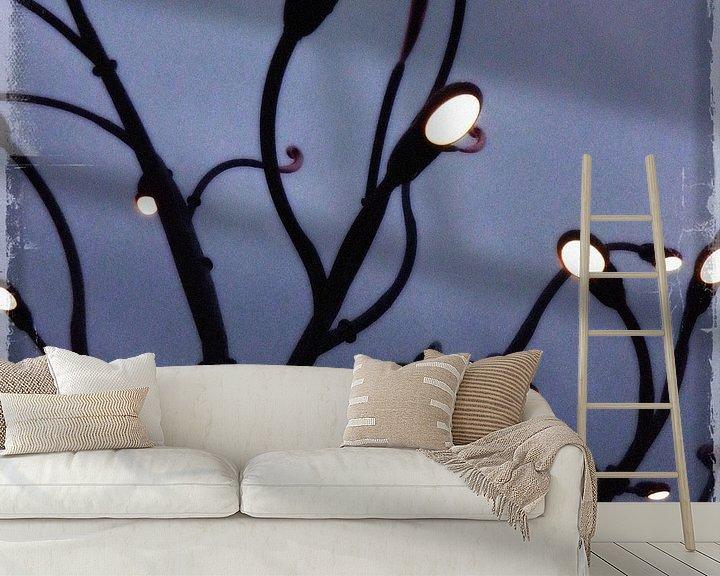 Sfeerimpressie behang: Lichtjesboom van Kuba Bartyński