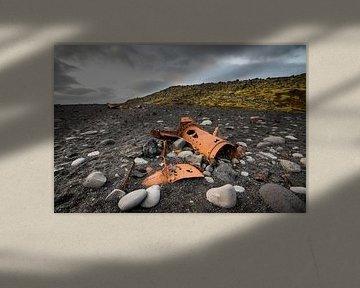 Wrakstukken van een schip op de kust van IJsland von Marcel Alsemgeest
