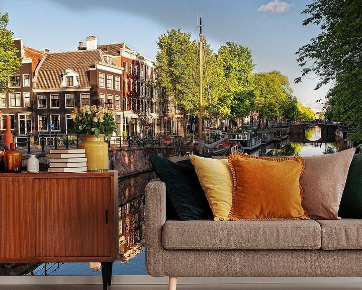 Sfeerimpressie behang: Brouwersgracht Amsterdam van Tom Elst