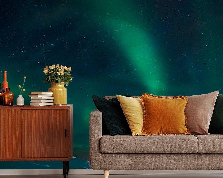 Sfeerimpressie behang: Noorderlicht bij de Noordkaap van Andy Troy