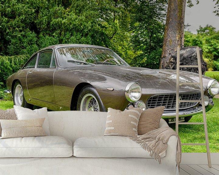 Sfeerimpressie behang: Ferrari 250 GT Berlinetta Lusso klassieke Italiaanse GT-auto uit de jaren 60 van Sjoerd van der Wal