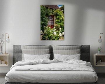 Typisch mittelalterliches, malerisches französisches Bauernhaus von Fotografiecor .nl