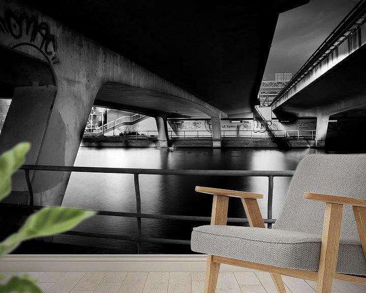 Sfeerimpressie behang: Below the A10 van Jaap de Wit