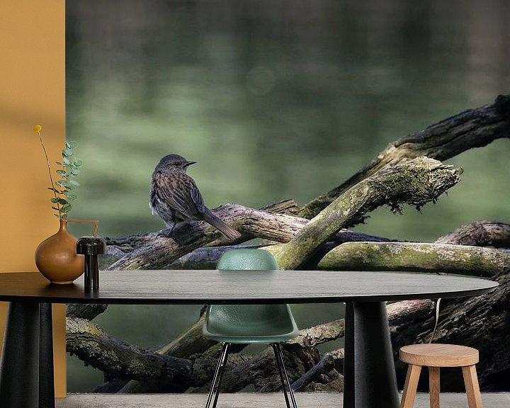 Sfeerimpressie behang: Vogel op tak van Margaretha Gerritsen
