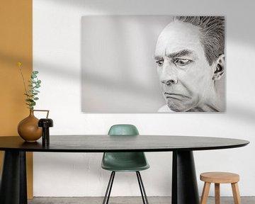 Mann in Schwarz und Weiß, der verrückt aussieht von Atelier Liesjes