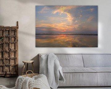 Sunset at the beach during summer with a calm sea sur Sjoerd van der Wal