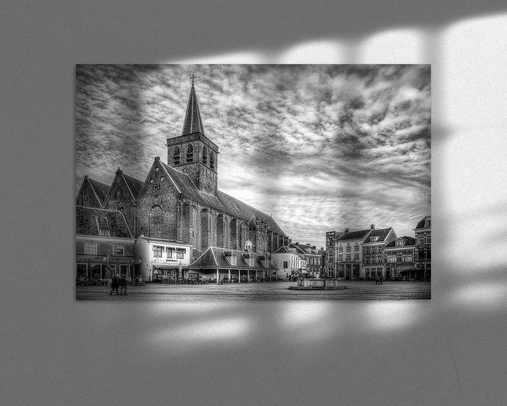 Sfeerimpressie: Sint Joriskerk Hof historisch Amersfoort zwartwit van Watze D. de Haan