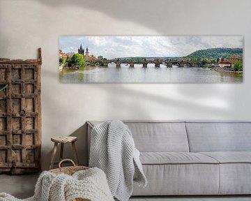 Charles bridge at Prague van Leopold Brix