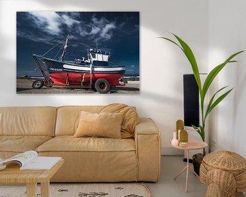 Vissersboot in La Santa, Lanzarote-Spanje van Harrie Muis