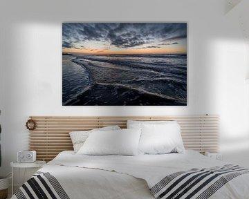 Coucher de soleil sur la mer sur Gonnie van de Schans