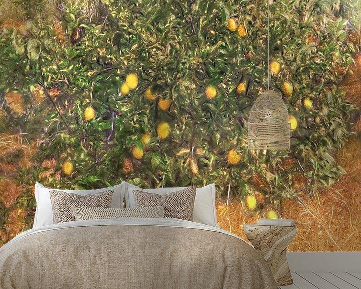 Sfeerimpressie behang: Schilderachtige citroenboom van Atelier Liesjes