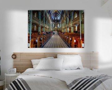 Kerk met mooi gekleurd interieur van Atelier Liesjes