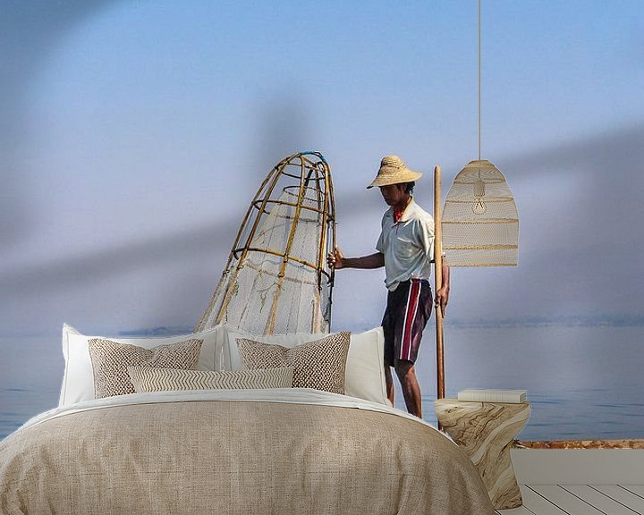 Beispiel fototapete: Birmanischer Fischer am Inle See II von Thijs van den Broek