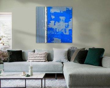 Blauw-grijs abstract op verweerd aluminium oppervlak