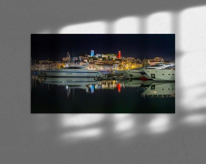 """Sfeerimpressie: Luxe jachten in de Oude Haven """"Le Vieux Port"""", Cannes, Alpes Maritime, Frankrijk van Rene van der Meer"""