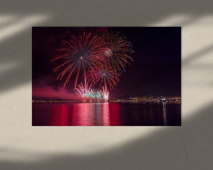 Sfeerimpressie: Jaarlijkse vuurwerk shows voor het Plage de la Croisette, Cannes, Alpes Maritime, Frankrijk van Rene van der Meer