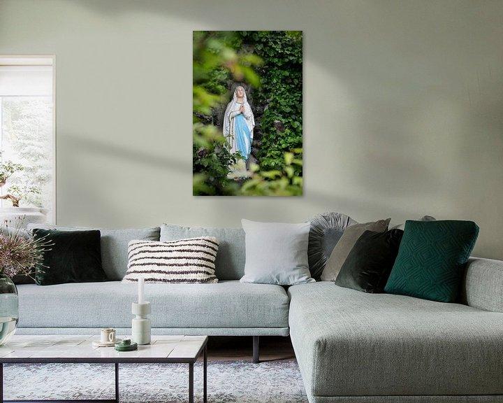 Sfeerimpressie: Mariabeeldje in mariagrot van Joyce van Belkom