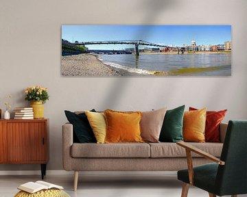 River Thames with Millenium bridge, van Leopold Brix