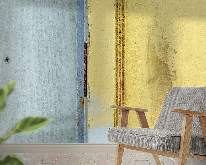 Sfeerimpressie behang: Abstract lijnenspel op houten wand van Texel eXperience
