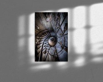 Trap met spiraal en versieringen van Inge van den Brande