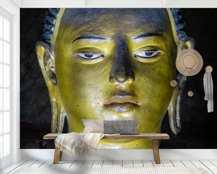 Sfeerimpressie behang: Buddha statue inside Maha Raja Viharaya or the Temple of the Great King (Cave No.2) van Inez Wijker