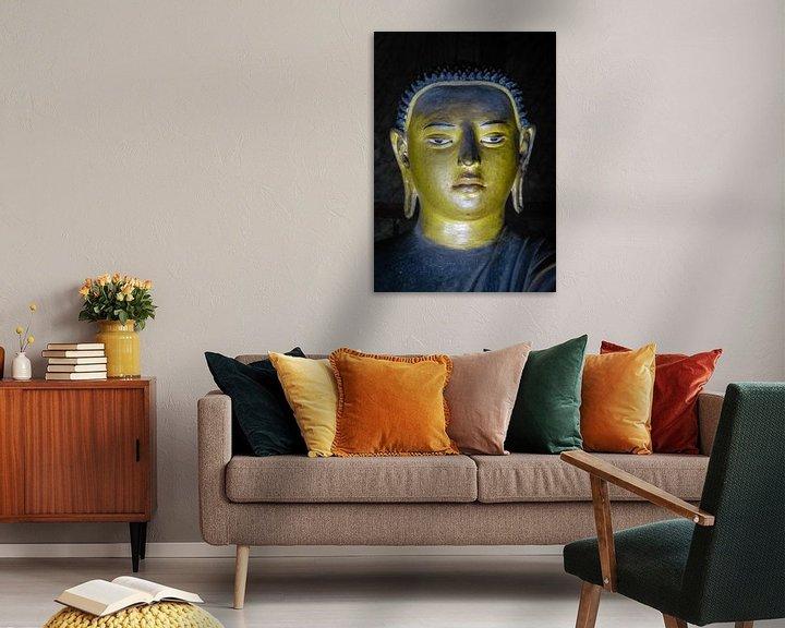 Sfeerimpressie: Buddha statue inside Maha Raja Viharaya or the Temple of the Great King (Cave No.2) van Inez Wijker
