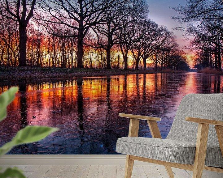 Sfeerimpressie behang: Zonsopkomst aan het Apeldoorns Kanaal van Robbie Veldwijk