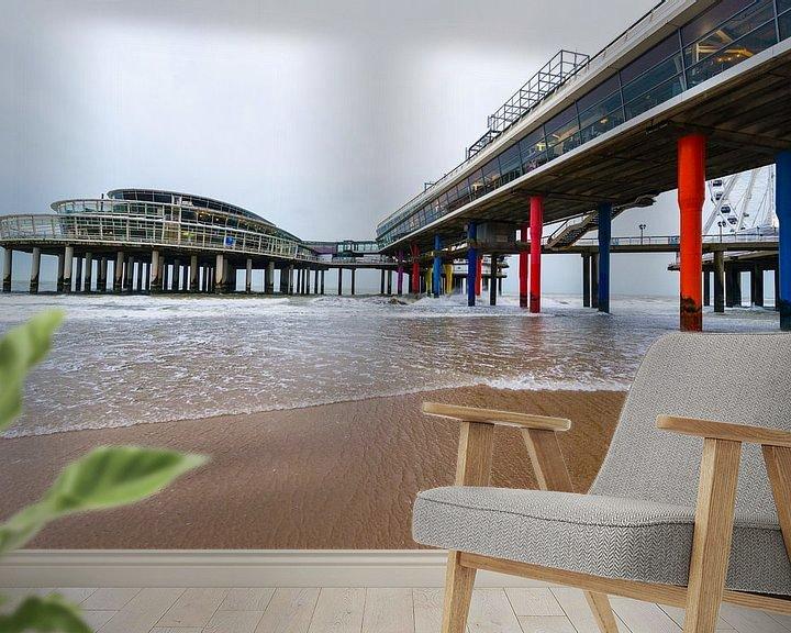 Sfeerimpressie behang: Pier van Scheveningen van Brian Morgan