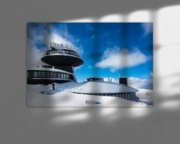 Gebäude auf der Schneekoppe im Riesengebirge in Tschechien von Rico Ködder