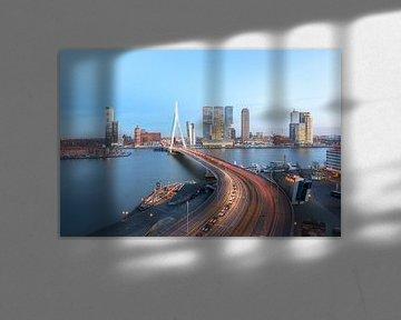 Erasmusbrücke mit Rotterdamer Skyline von Prachtig Rotterdam