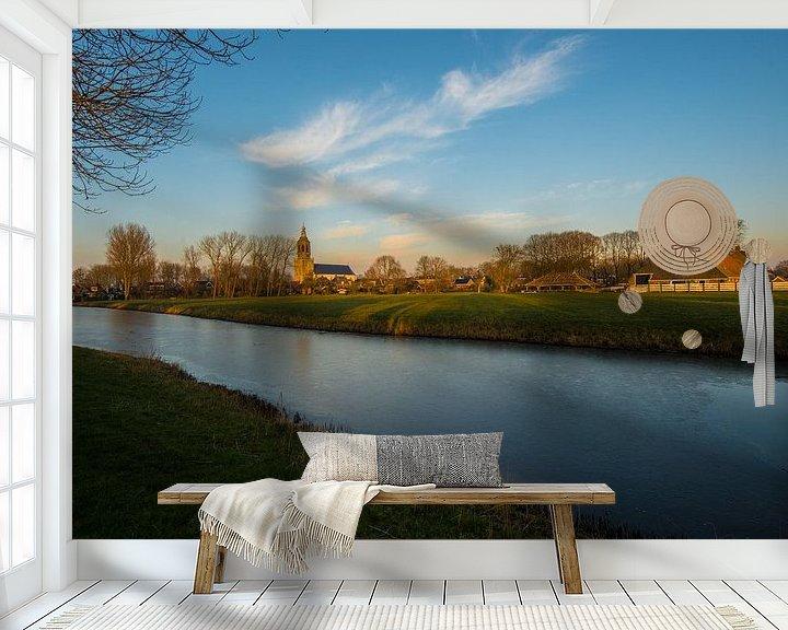 Sfeerimpressie behang: Dronrijp over het water de skyline van Brian Morgan