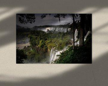 Watervallen in Iguazú National Park van Fotografie door Menno