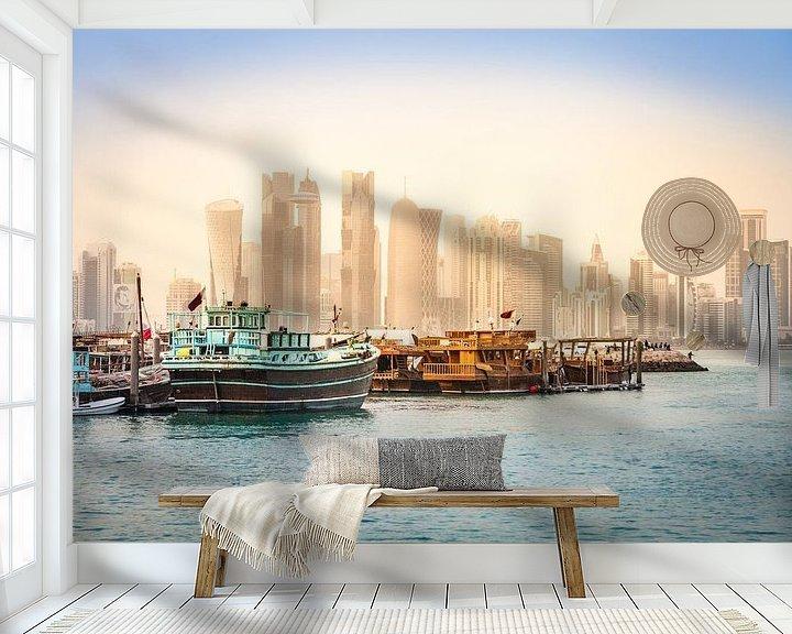 Sfeerimpressie behang: Dhows vor der Skyline von Doha, Katar van Jan Schuler