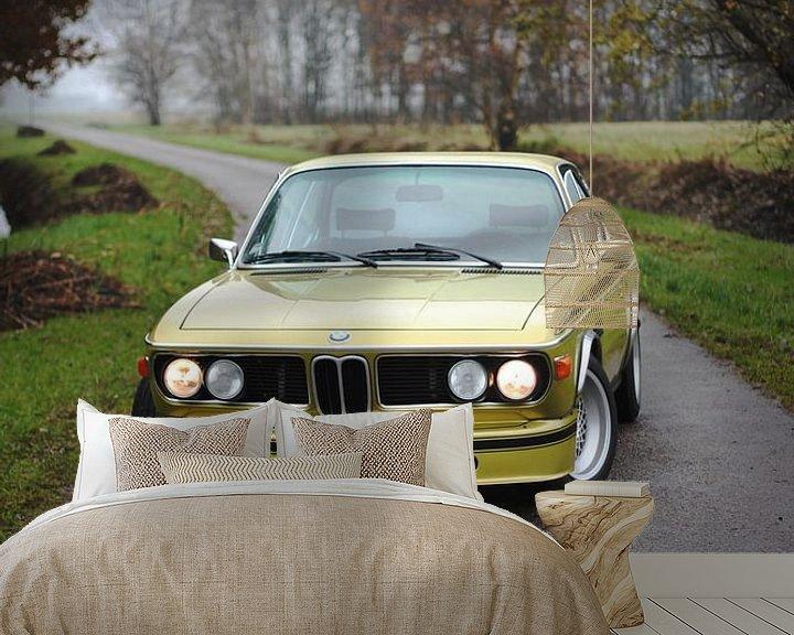 Sfeerimpressie behang: BMW 3.0 CSL e9. Oldtimer / klassieker van Maarten van Hemel