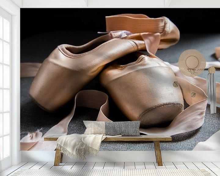 Sfeerimpressie behang: stilleven van balletschoenen van Heleen Pennings