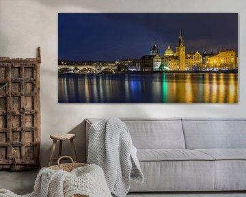 Die Altstadt von Prag und die Karlsbrücke bei Nacht, Tschechische Republik - 1 von Tux Photography