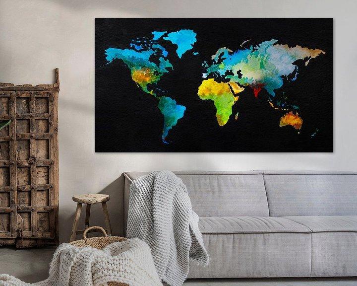 Sfeerimpressie: Wereldkaart in aquarel en Zwarte inkt van Wereldkaarten.Shop