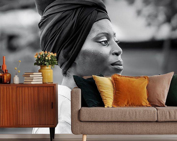 Sfeerimpressie behang: African Women van Antoine Ramakers