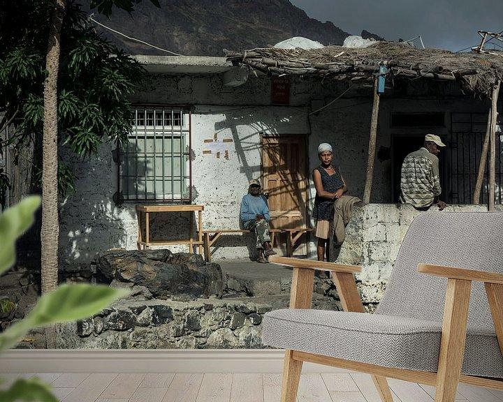 Sfeerimpressie behang: Family on the porch van Robert Beekelaar