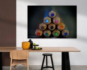 Gekleurde piramide van potloden von Martin Van der Pluym