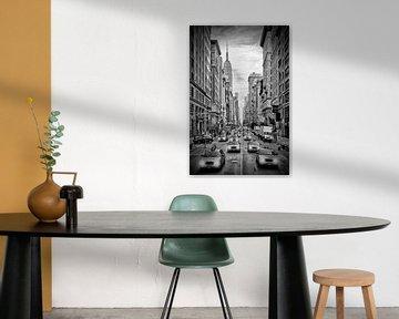 NEW YORK CITY 5th Avenue Verkehr | Monochrom von Melanie Viola