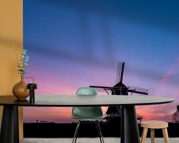 Sfeerimpressie behang: Molen D'Olde Zwarver net voor zonsopgang van Erik Veldkamp