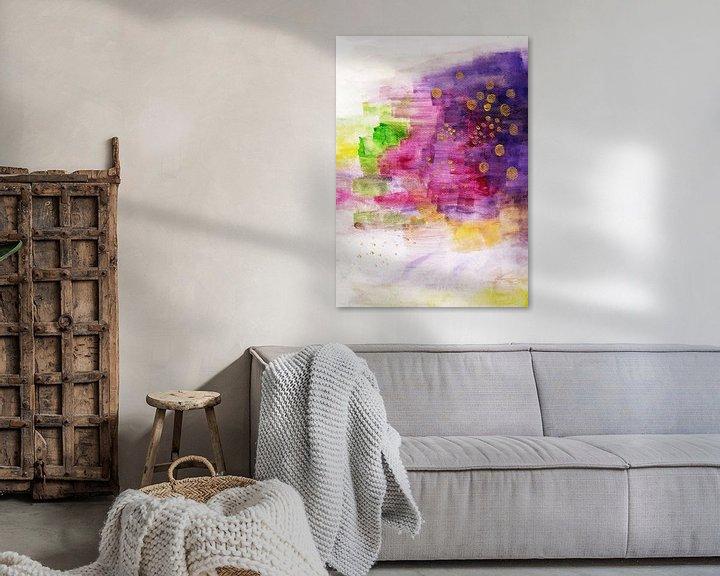 Sfeerimpressie: Violet Pink Gold Painting Watercolor Art van Laura Dogariu
