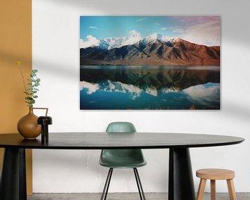 Analoge foto van een berglandschap met meer in Nieuw-Zeeland van Kaat Zoetekouw